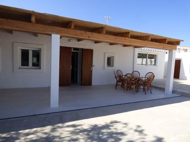 villa con piscina Punta Prima formentera